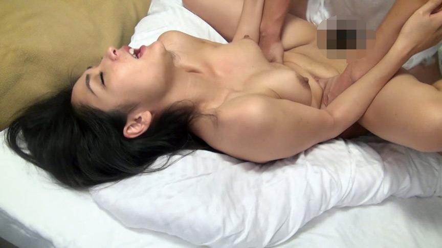 まさかのナンパに胸の高まりを抑えきれない熟女たちBEST 画像 15