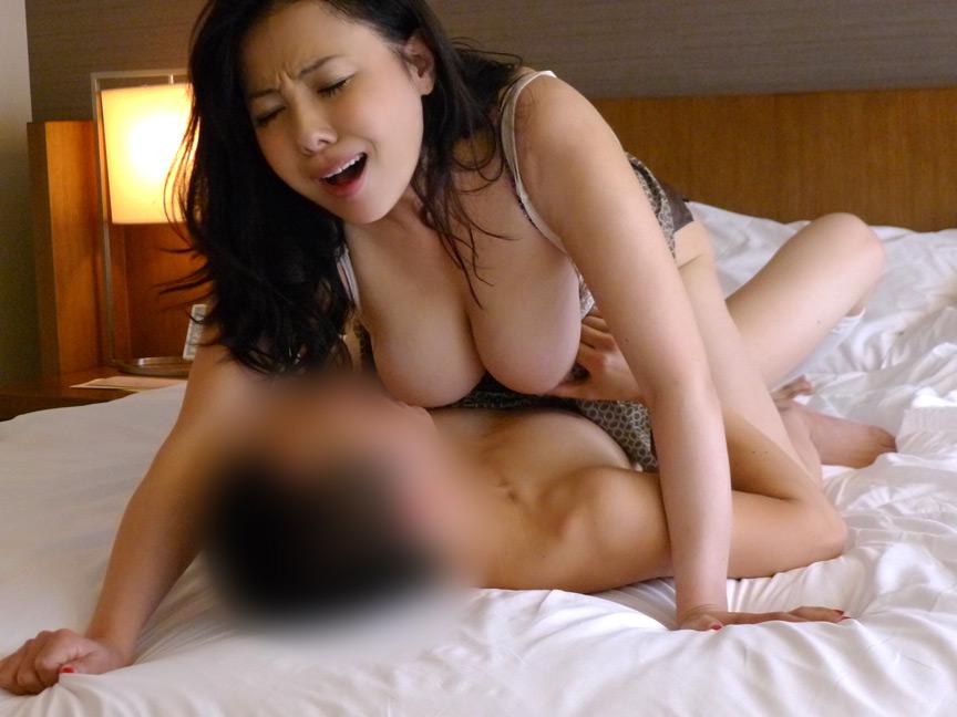 絶対抜ける!!濃厚熟女 痙攣絶頂SEX!! 画像 1