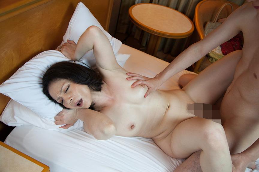 絶対抜ける!!濃厚熟女 痙攣絶頂SEX!! 画像 8