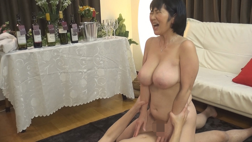 IdolLAB | mbm-0331 街角おばさんナンパ ワインの試飲でほろ酔い気分vol.2