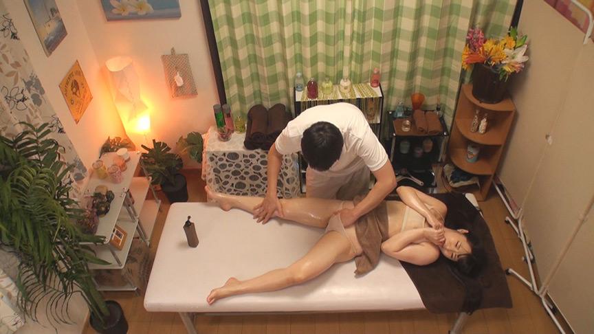 イヤだと言えない…制服美少女の性感オイルマッサージ 画像 5