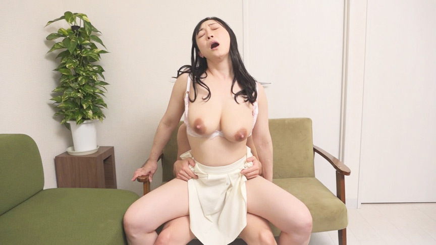 IdolLAB   mercury-0631 母乳ぶっかけ!欲求不満な爆乳奥様が自らAV応募。ひろこ