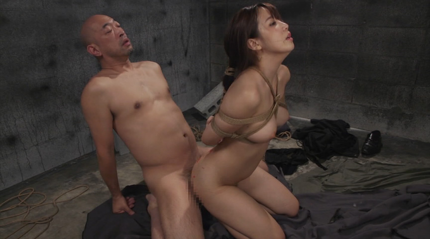 緊縛人妻の脅迫監禁ビデオ 友田彩也香
