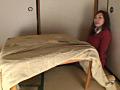 黒タイツこたつDE足コキ&オナニー:まりな&くるみ編のサムネイルエロ画像No.2