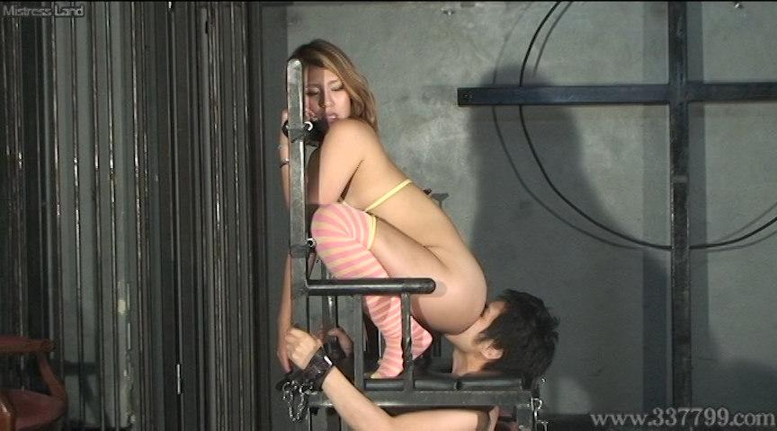 貞操帯で射精管理し挑発寸止めを楽しむギャル達 画像 9