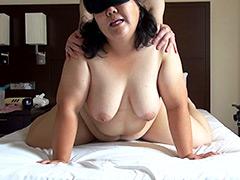 【個撮】超ドM豊満熟女が掲示板で生中出し男達を募集!