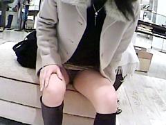 某信用金庫営業マン投稿 靴屋編 卑劣パンチラ盗撮!5