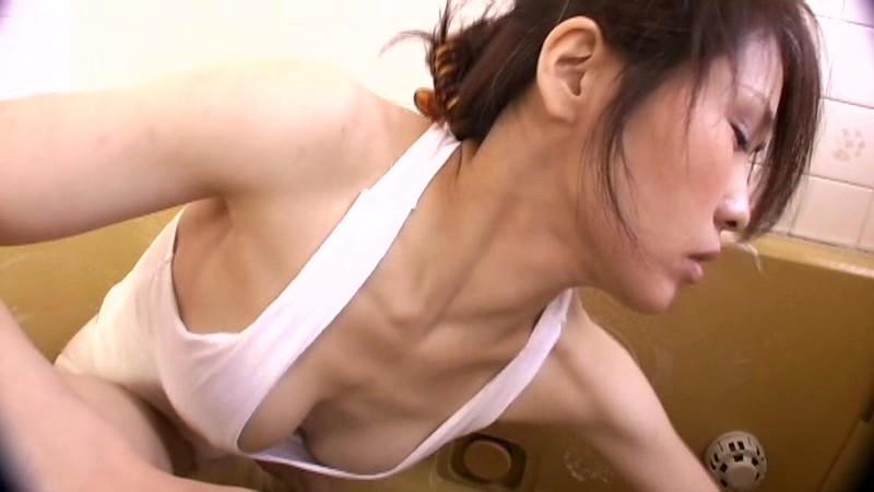 好評!無防備な隣の奥さん 匂いたつパンチラ胸チラ集2