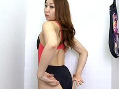 水着:競泳水着からハミ出る豊満な女体とデカ尻盗撮!4