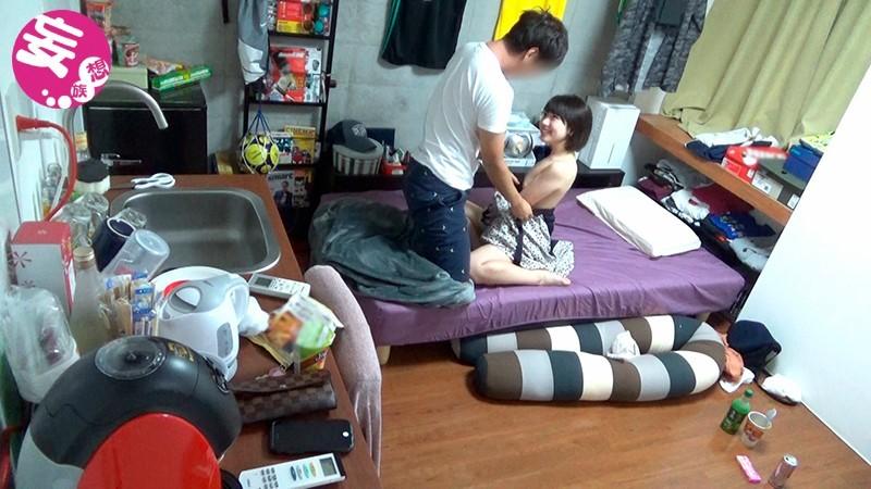 男友達の自宅に遊びに来たプライベート中の皆月ひかる