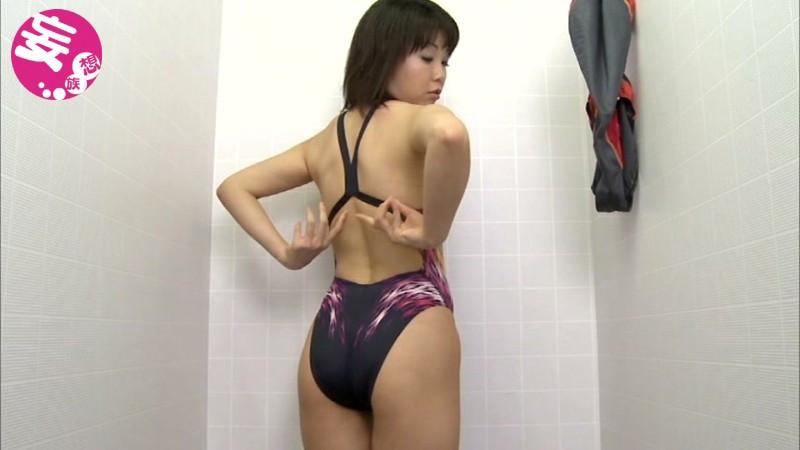 競泳水着からハミ出る豊満な女体とデカ尻盗撮!6 画像 2