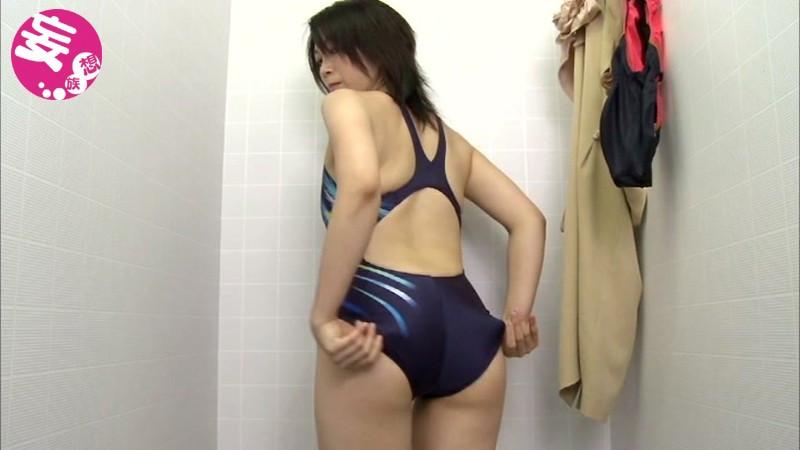 競泳水着からハミ出る豊満な女体とデカ尻盗撮!6 画像 3