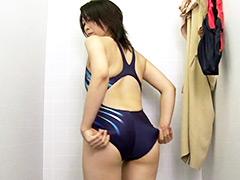 水着:競泳水着からハミ出る豊満な女体とデカ尻盗撮!6