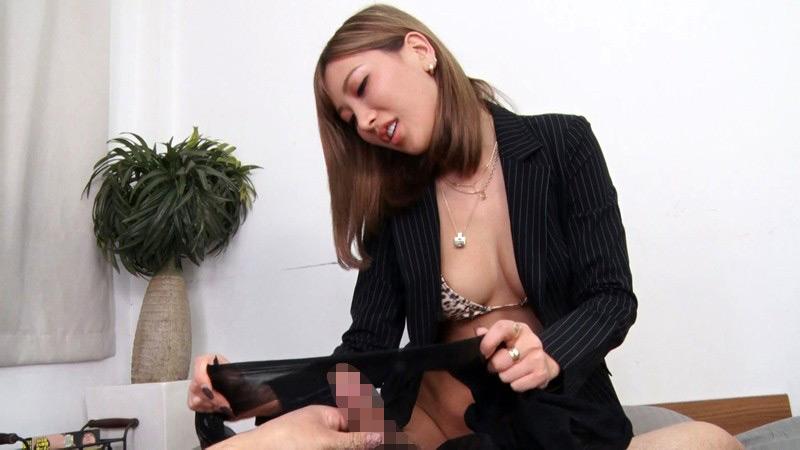 膣壁が嫉妬するパンストの使い方。