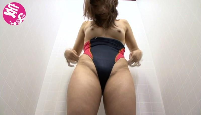 競泳水着からハミ出る豊満な女体とデカ尻盗撮!7 画像 5