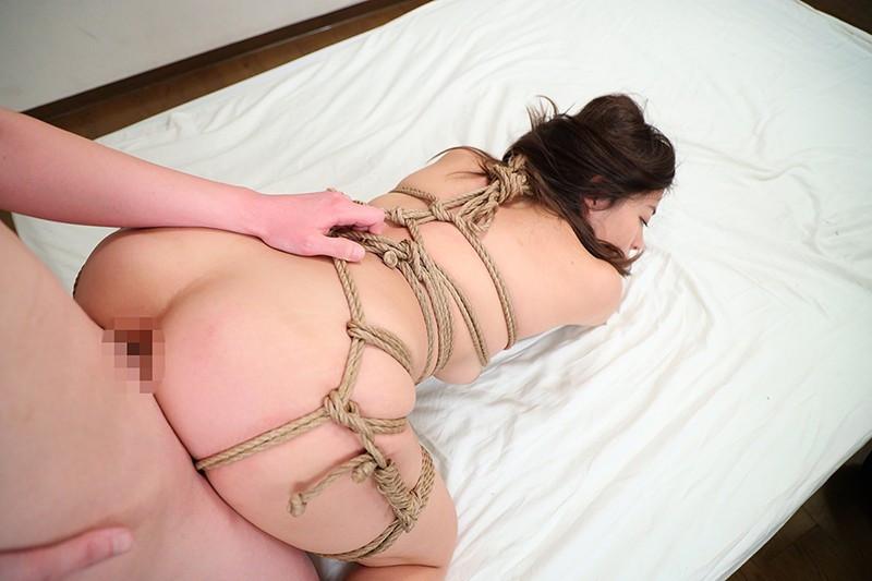 悪魔の生贄 剃毛女社長 桜庭ひかり 画像 16