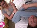 ロスでナンパしたインテリ眼鏡女子大生がAVデビューのサムネイルエロ画像No.3