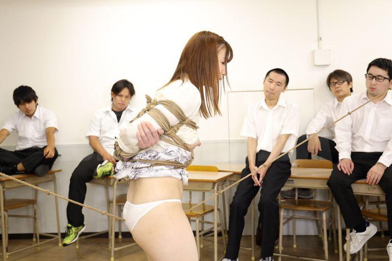 恥辱の教室 隷属女教師 大浦真奈美