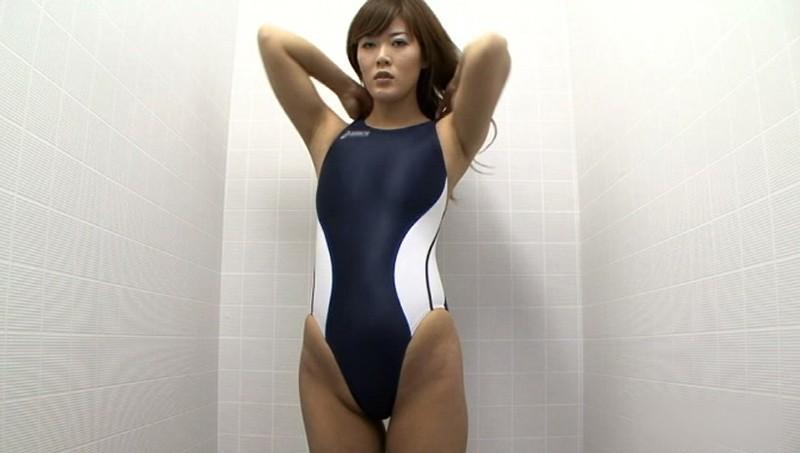 競泳水着からハミ出る豊満な女体とデカ尻盗撮!10 画像 1