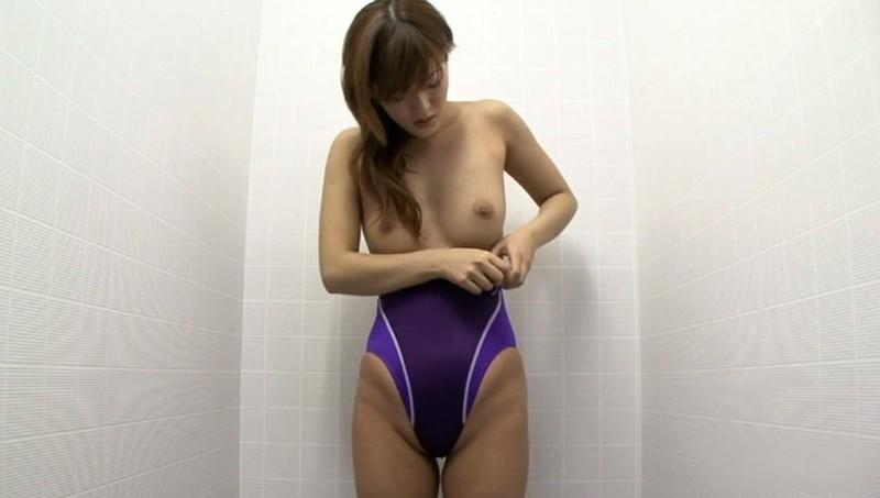競泳水着からハミ出る豊満な女体とデカ尻盗撮!10 画像 2