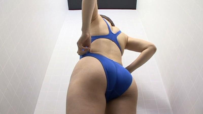 競泳水着からハミ出る豊満な女体とデカ尻盗撮!10 画像 4