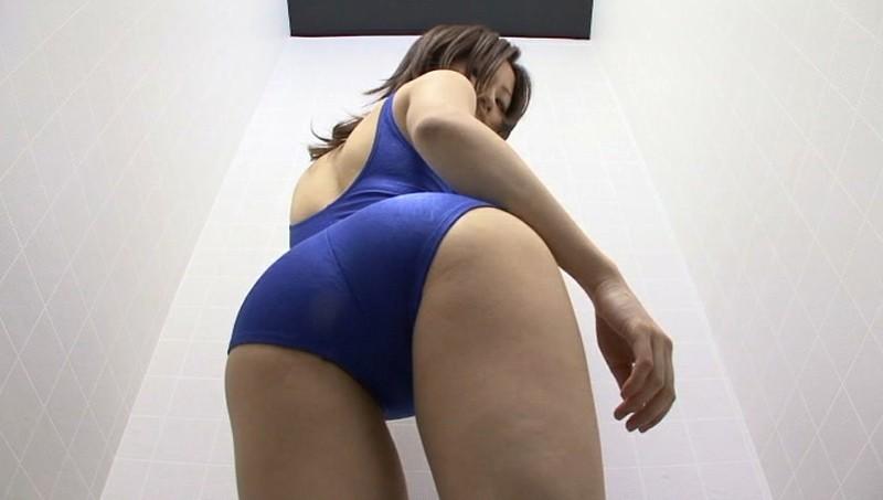 競泳水着からハミ出る豊満な女体とデカ尻盗撮!10 画像 5