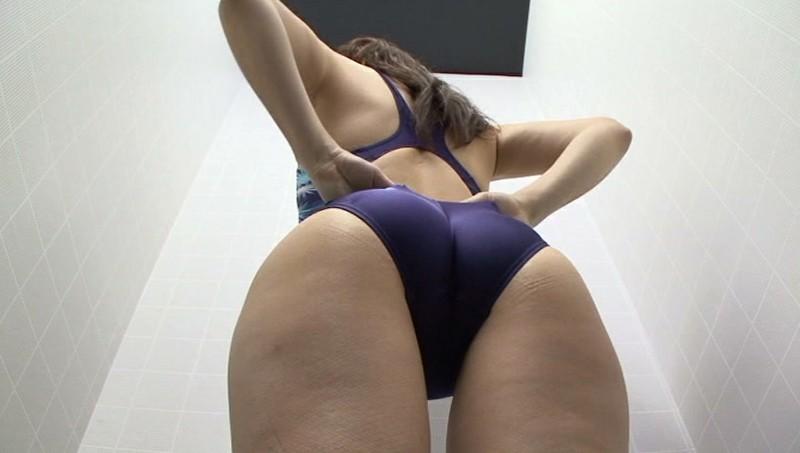 競泳水着からハミ出る豊満な女体とデカ尻盗撮!10 画像 7
