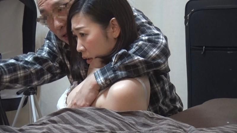 地味で控え目な清楚妻 連れ込みナンパ隠し撮りのサンプル画像