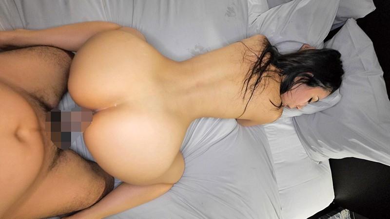 デカ尻突き出しながらメス汁垂れ流しのクソエロ人妻! 画像 9