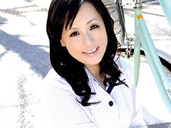 働く美人妻 現役乳酸飲料販売員 梓さん30歳  無料エロ動画まとめ|H動画ネット