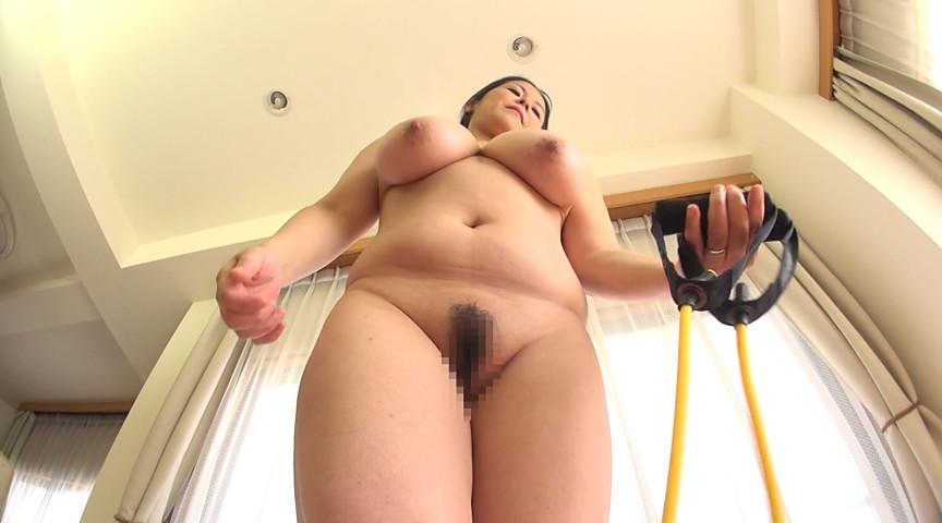 ド迫力BODY爆乳熟女16人!全裸エクササイズ 画像 12