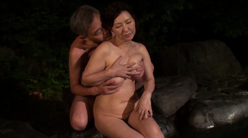 中高年夫婦が再び燃え上がる濃厚な接吻と絡み合う性交サンプルD6
