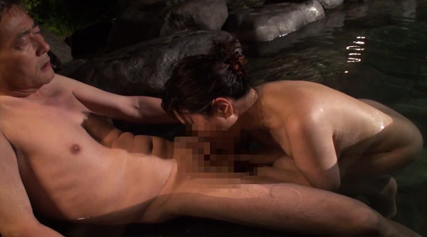 中高年夫婦が再び燃え上がる濃厚な接吻と絡み合う性交サンプルD7