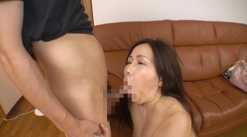 肉爆感がたまらない!豊満なタルンタルン垂れ乳熟女 画像 7