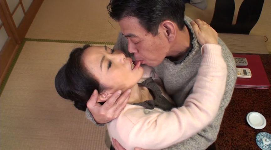中高年夫婦が再び燃え上がる濃厚な接吻と絡み合う性交6