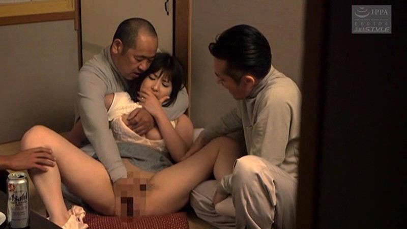 肉体労働者にメチャクチャに汚された妻 早川瑞希