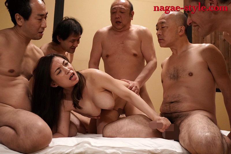 愛する妻と旅先で・・寝取らせ旅行 織田真子 画像 8