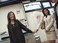 山崎亜美のマネージャーをみんなでヤっちゃったビデオサムネイル1