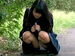 利尿剤を飲まされ何度も失禁イキする女子校生2