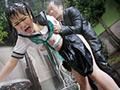 雨に濡れた体を痴漢され鳥肌が立つほど感じまくる敏感ちくび○学生2
