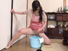 媚薬が効く前にオマ○コを洗う新妻 無念の発情2