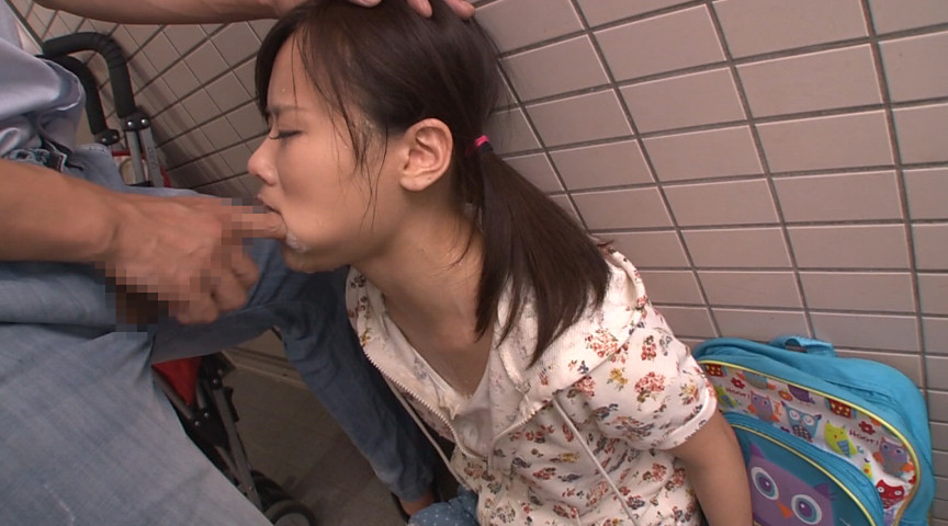 同じマンションに住む小さい女の子に媚薬を塗り込んだチ○ポで即イラマ。結果、ねば~っと糸引くえずき汁まみれのイキ顔で淫乱化。2 18枚目