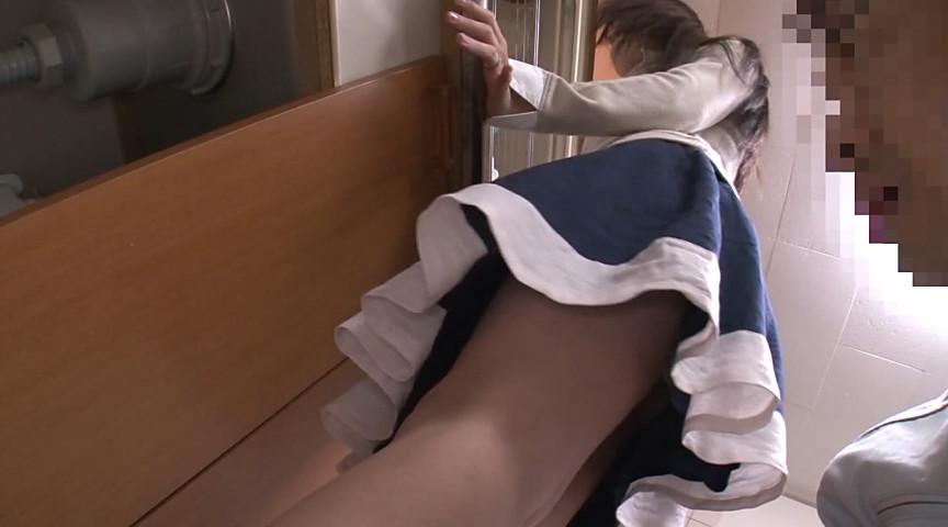 人妻のNTRスカート覗き