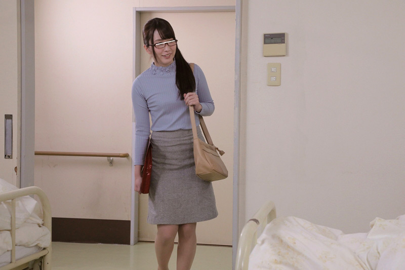 入院中の性処理を母親には頼めないから お見舞いに来た叔母にお願いしたら 優しい騎乗位でこっそりぬいてくれた16 中出しスペシャル の画像12