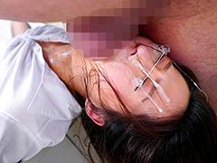 逆さイラマで喉射され顔面精子まみれで謝罪する女上司:辱め