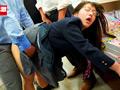 ちっちゃな女の子を囲んで痴漢する巨漢集団 総集編付きのサムネイルエロ画像No.4
