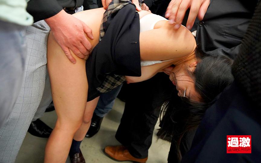 IdolLAB | naturalhigh-2082 ちっちゃな女の子を囲んで痴漢する卑劣巨漢集団2