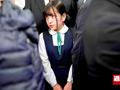 0001 - 【盗撮動画】ロリ少女を痴漢三人がド派手に電車内で犯す痴漢達