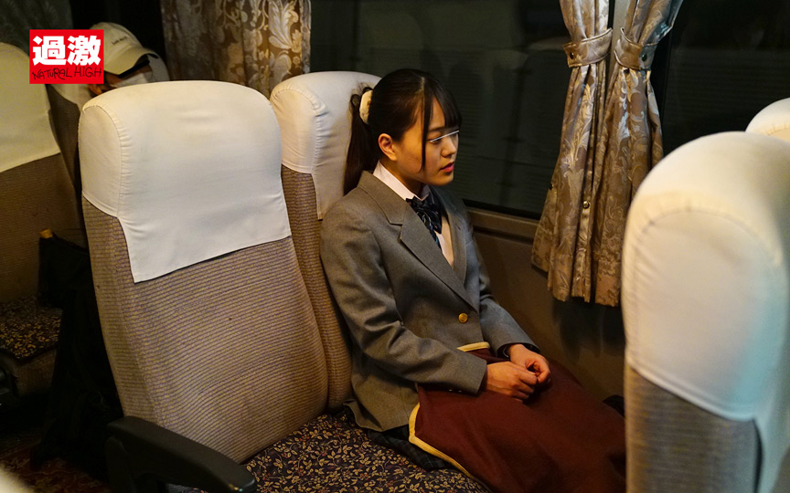 夜行バスでイカされた隙に生ハメされた女 女子○生限定7 画像 1