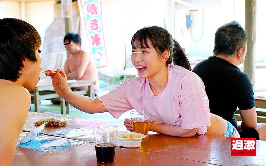 痴漢夏祭り2021 中出しスペシャル ~海の家、キャンプ、浴衣電車、ナイトプール~ 1枚目